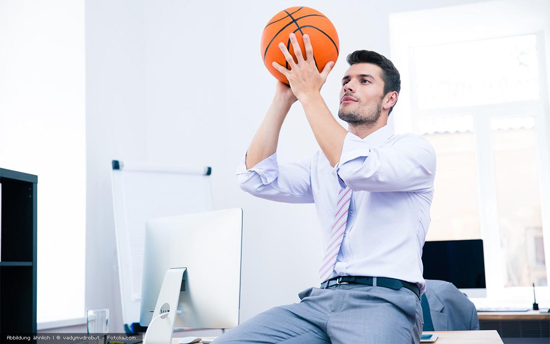 An die Arbeit! Fünf Fit-Tipps für Bürostuhlakrobaten