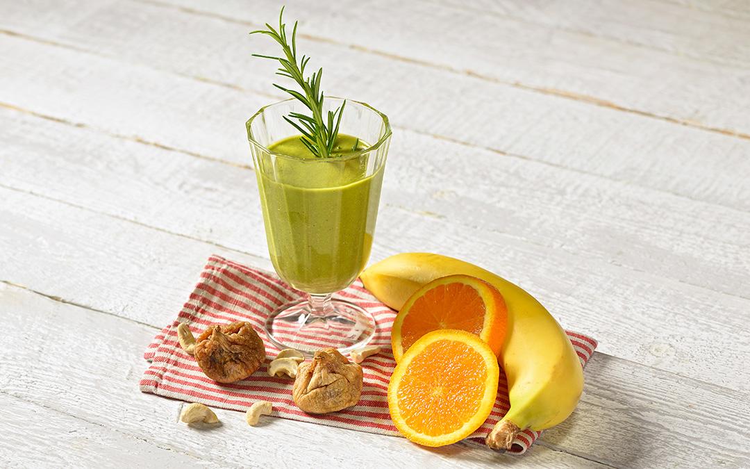 gr ner rosmarin orangen smoothie aus dem vitamix pro 750. Black Bedroom Furniture Sets. Home Design Ideas