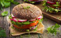 vegane Rohkost-Burger zur Grillsaison