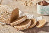Haferflocken-Mandel-Brot
