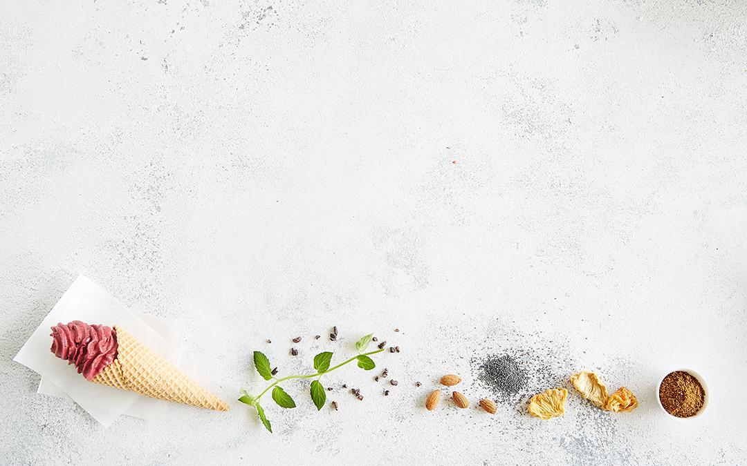 Fruchtig leckere Rhabarber Haselnuss Eiscreme von Boris Lauser