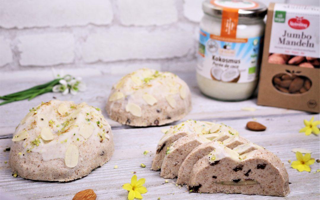 Fluffiges Osterbrot mit Rosinen und Marzipan von Angela Griem